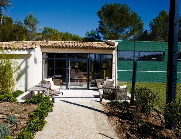 BLR International - espace de remise en forme privé - entrée, tennis privé